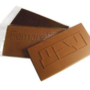 לוחית שוקולד בצלופן
